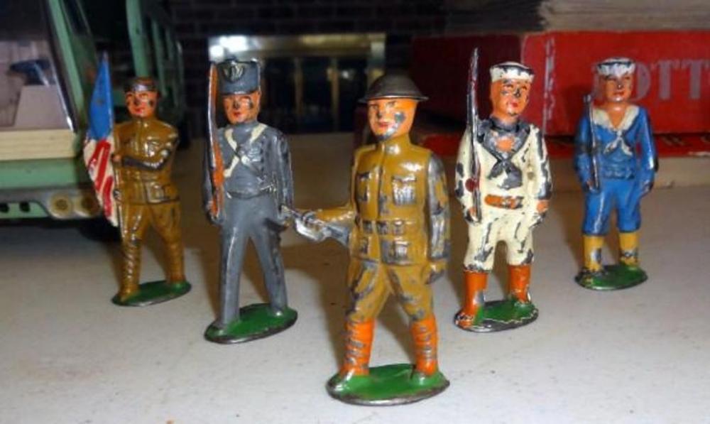 Lot 249vintage Metal Toy Solrs 5