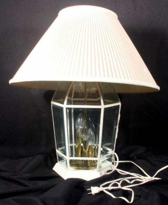 Table Lamp With Hexagon Shaped Beveled Glass Lighted Base And