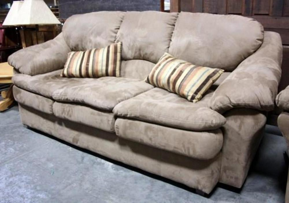 Lot 14 Of 261 Ashley Furniture 3 Cushion Microsuede Couch W 2 Throw Pillows Rox 88 Long