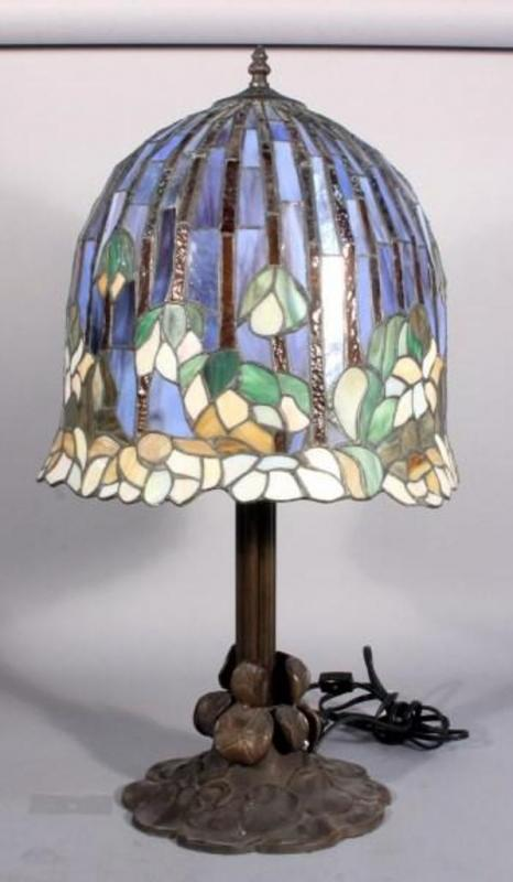 Heavy Leaded Tiffany Style Table Lamp 13 Stained Glass Shade 2