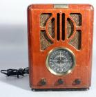 "Thomas Collector's Edition Radio, Model #711, AC 120v, 13""H"