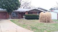 753 Lamplight; Hazelwood, MO 63042