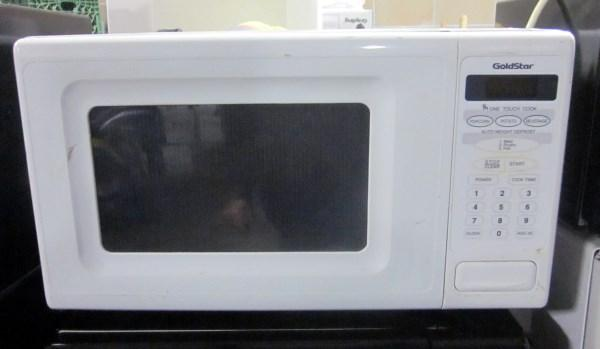 Lot 174 Of 178 Goldstar Household Microwave Oven Model Ma780m With Turntable