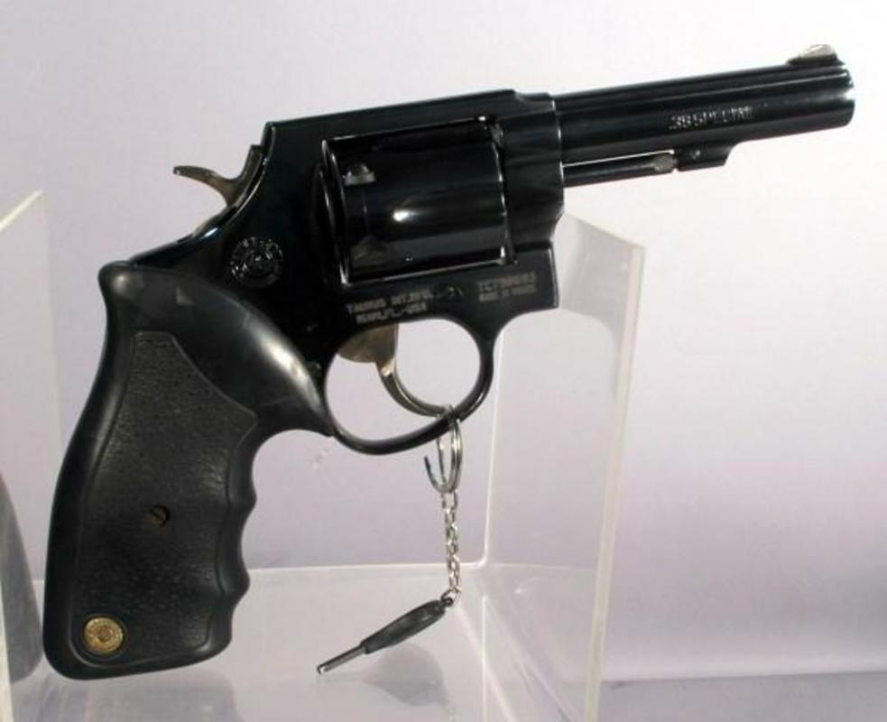 Taurus  38 Special Revolver, SN# TC798693, Has Key For Hammer Lock