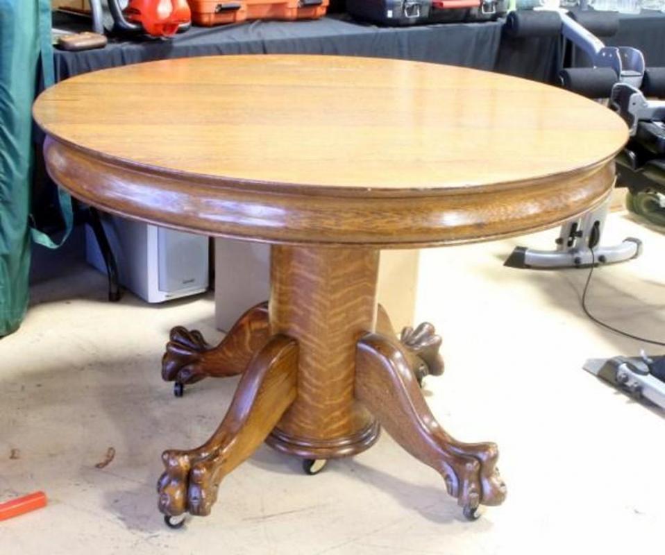 Watertown 1899 Quarter Sawn Oak Rolling Claw Foot Pedestal Table 3