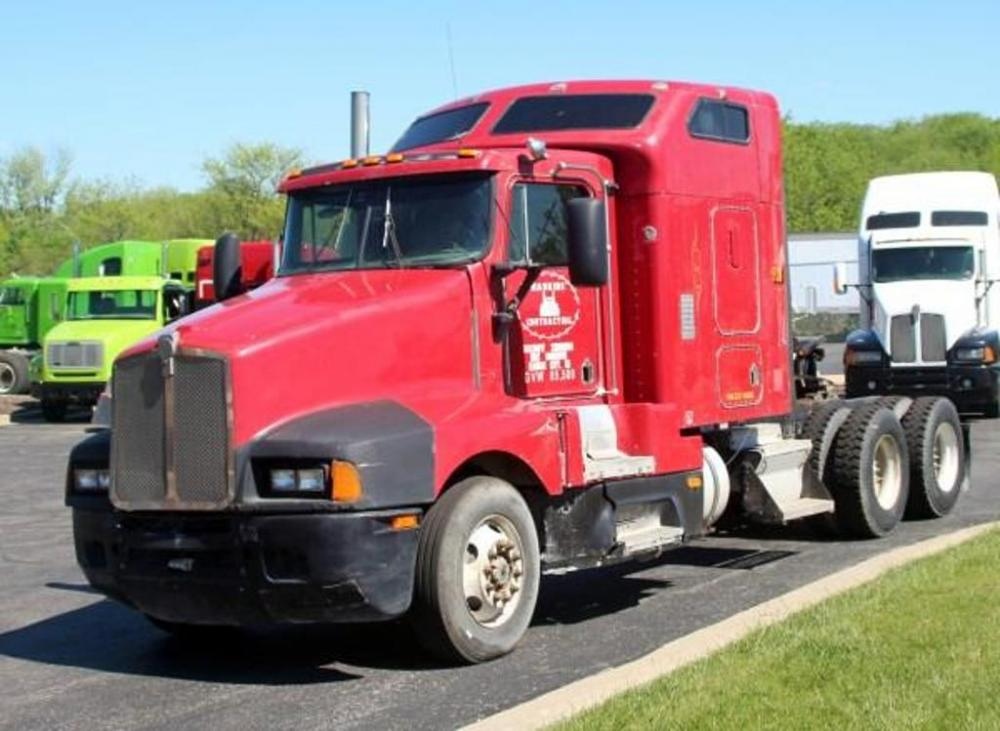 1993 Kenworth T600 Sleeper Truck Tractor, 1,009,759 Miles On