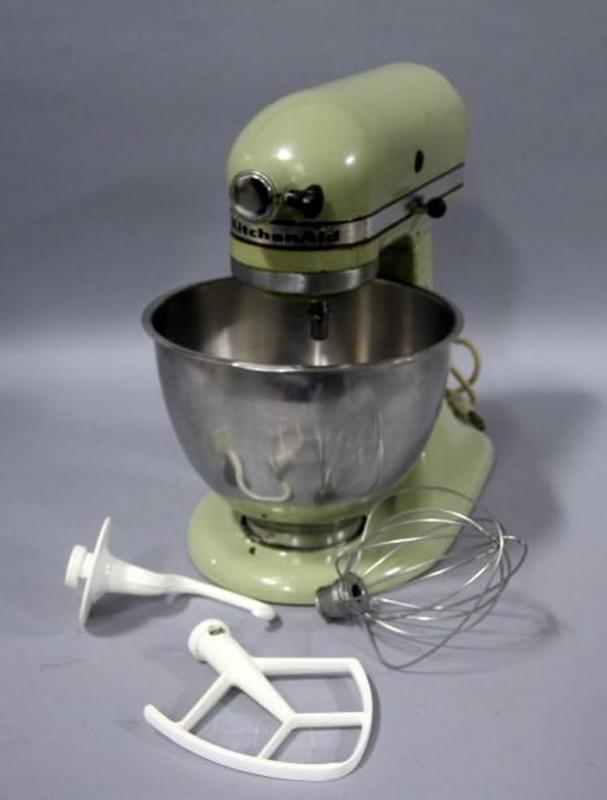 Vintage KitchenAid Model K45 Avocado Green Stand Mixer with Bowl and on kitchenaid k45 attachments, kitchenaid model k45, kitchenaid k45 repair, kitchenaid bowl k45, kitchenaid k45ss bowl, kitchenaid k45 classic,