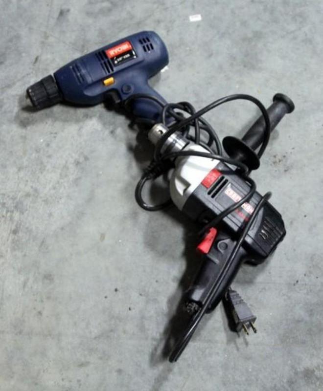Lot 175 Of 285 Craftsman 1 2 Hammer Drill Model 315 101390 And Ryobi 3 8 Vsr Electric
