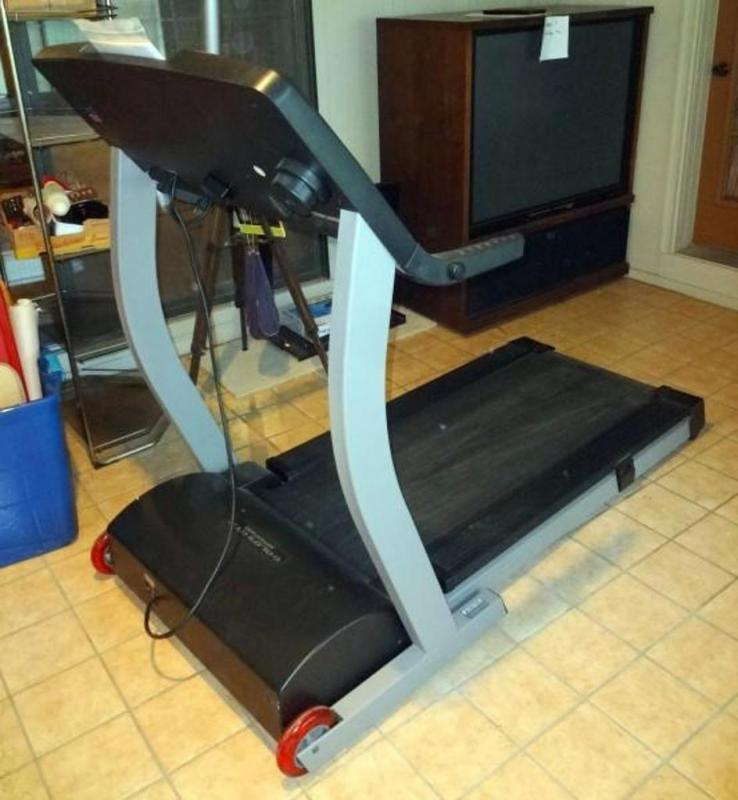 Gold's Gym Advantage Space Saver Treadmill with iFit com, Model GGTL