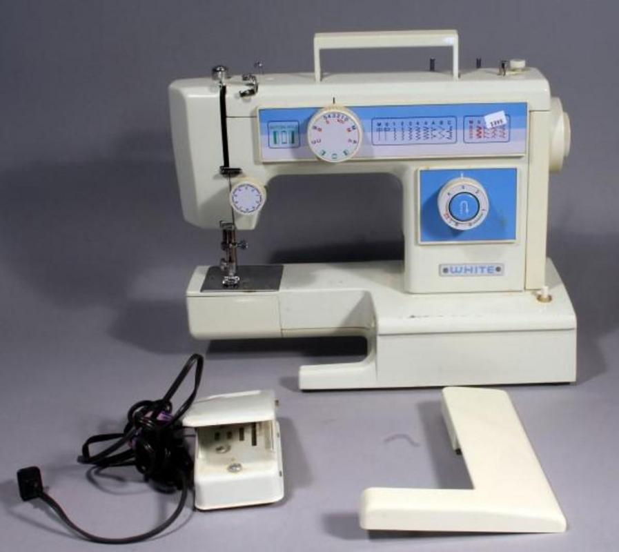 White Sewing Machine Model FA40 With Foot Pedal Powers Up Gorgeous White Sewing Machine Model 77