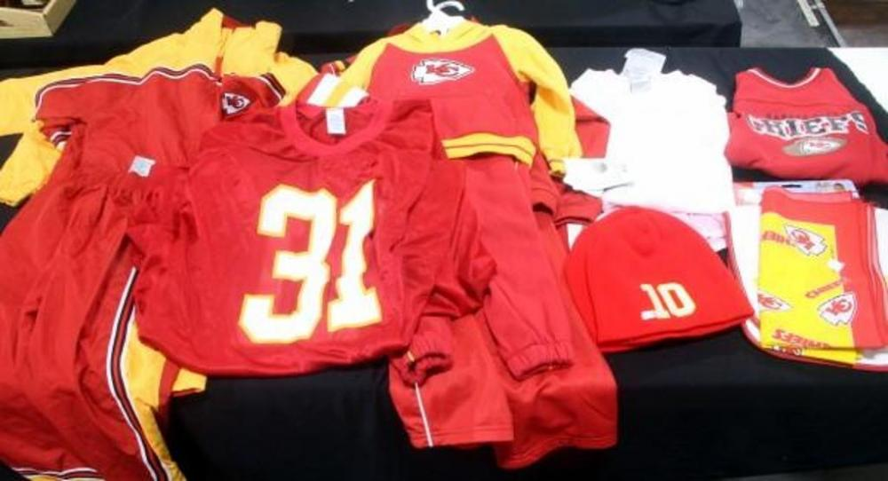 huge discount 2ef3a 39b69 Large Assortment of Kansas City KC Chiefs Clothing- Kids and ...