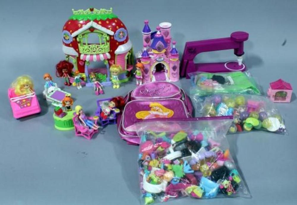 Squinkies Deluxe Castle Surprise Playset W 49 Play Friends