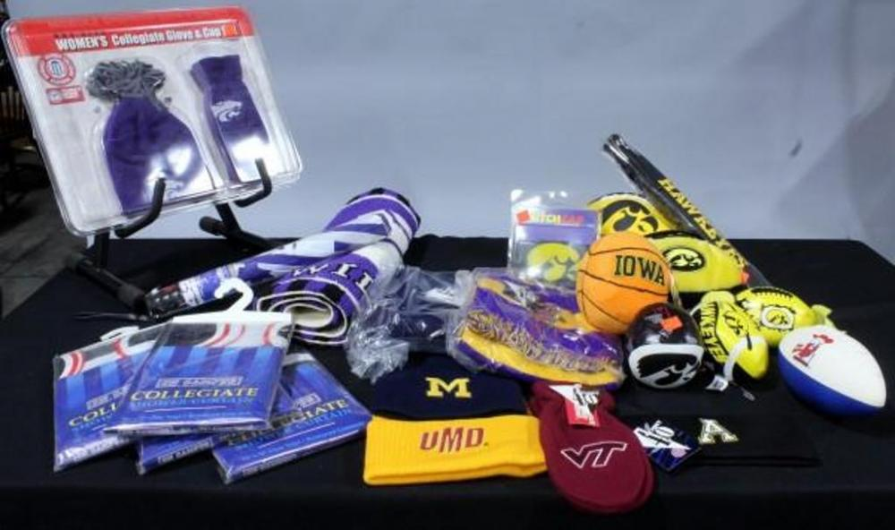 Lot 127 Of 494: K State Wildcats, Iowa Hawkeyes, Georgia Bulldogs U0026 More! Shower  Curtains, Glove U0026 Cap Set, Throw Rug, Umbrellas, Caps And Scarves, ...