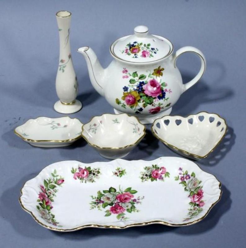Sadler Of England Floral Teapot Lenox Rose Manor Bud Vase And