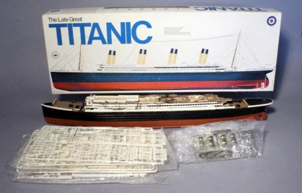 Vintage Entex The Late Great Titanic Model Ship Kit, 1/350