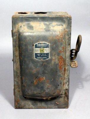 Lot #232Vintage Square D Electrical Fuse BoxAuctions