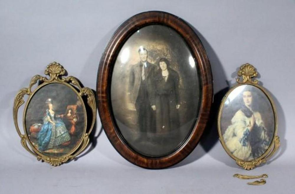 Antique Portrait Photo In Oval Curved Convex Glass Frame 17 X 23