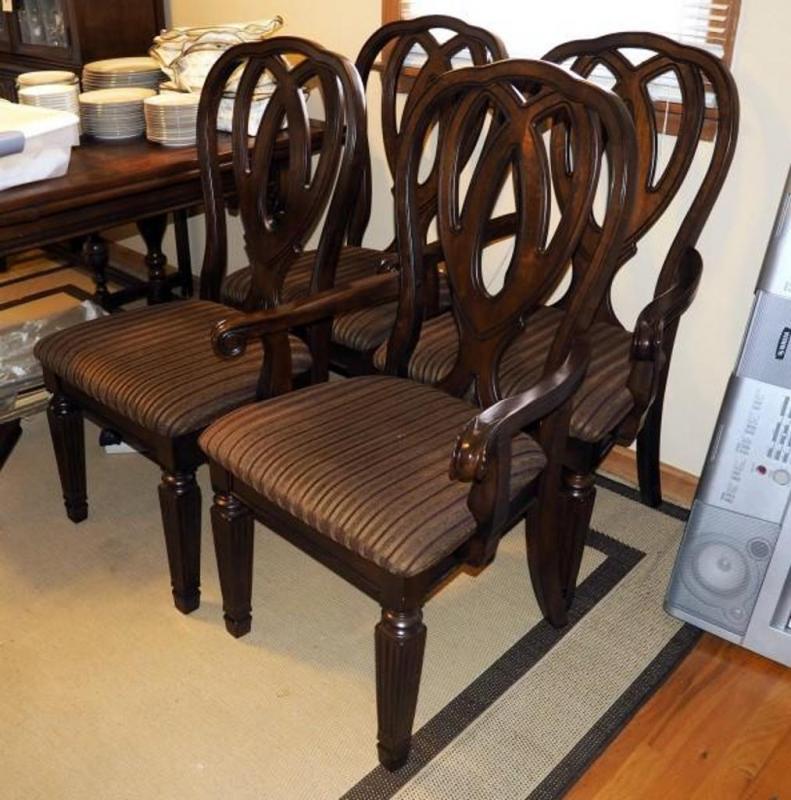 Ashley Furniture Dining Chairs Qty 4 Model D527 01 Finish Dark