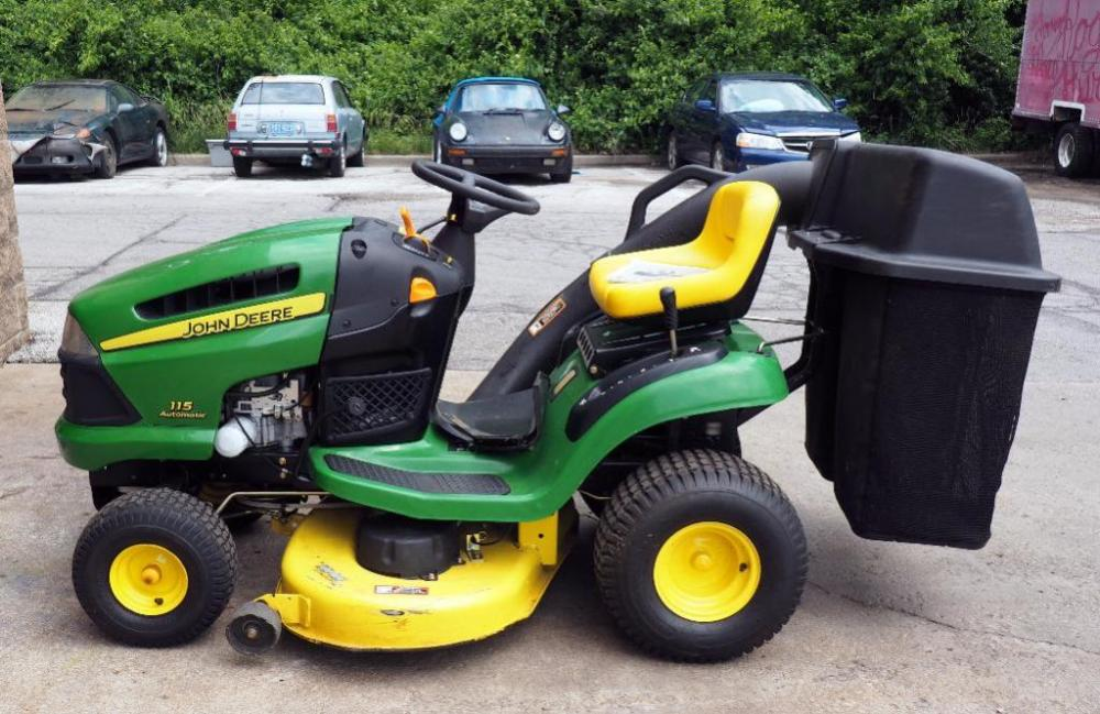 john deere 100 series riding lawn tractor model 115 automatic 42 rh bid auctionbymayo com John Deere 115 Wiring Diagram john deere 115 automatic owners manual