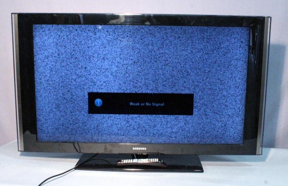 """Samsung Model LN46A580P6F 46"""" TV Television with Pedestal ..."""