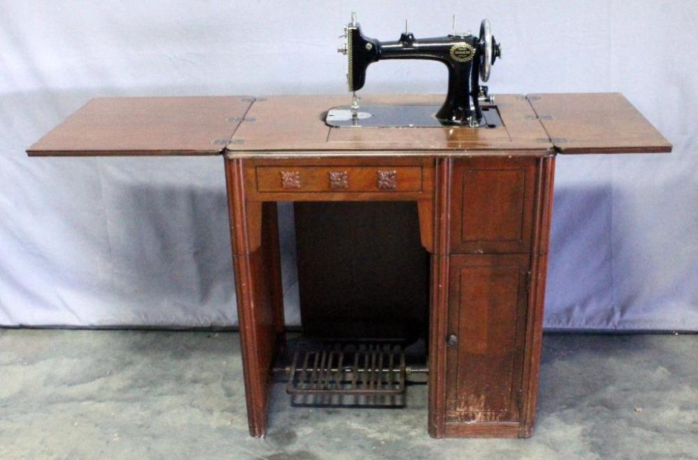Wards Damascus Rotary Sewing Machine And Desk With FoldOut Leaves Amazing Damascus Sewing Machine