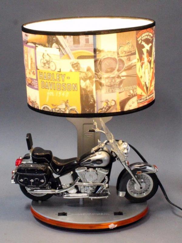 Harley davidson king america heritage lamp v motorcycle table lamp lot 76 of 175 harley davidson king america heritage lamp v motorcycle table lamp nightlight 14w x 18h works audiocablefo