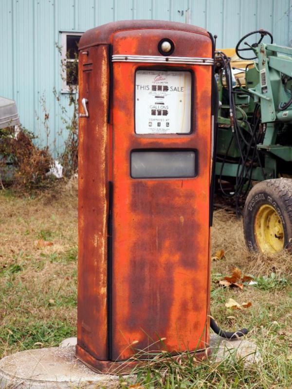 Antique Gilbarco Gas Dispenser / Pump, Porcelain Calco-Meter