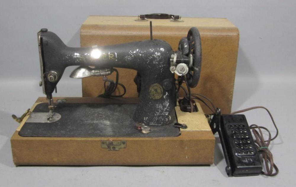 Antique 40 Electric Singer Sewing Machine With Case Foot Pedal Inspiration Singer Sewing Machine Belts
