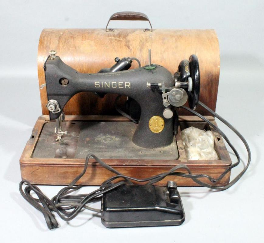 40's Electric Singer Portable Sewing Machine With Wood CaseFoot Amazing Singer Foot Pedal Sewing Machine