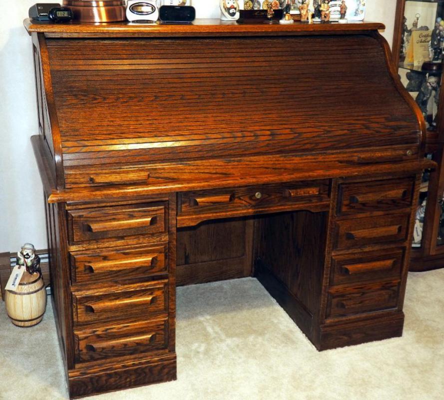 Lot 23 Of 341 Oak Creek By Riverside Roll Top Desk 48 H X 55 W 30 D Contents Not Included
