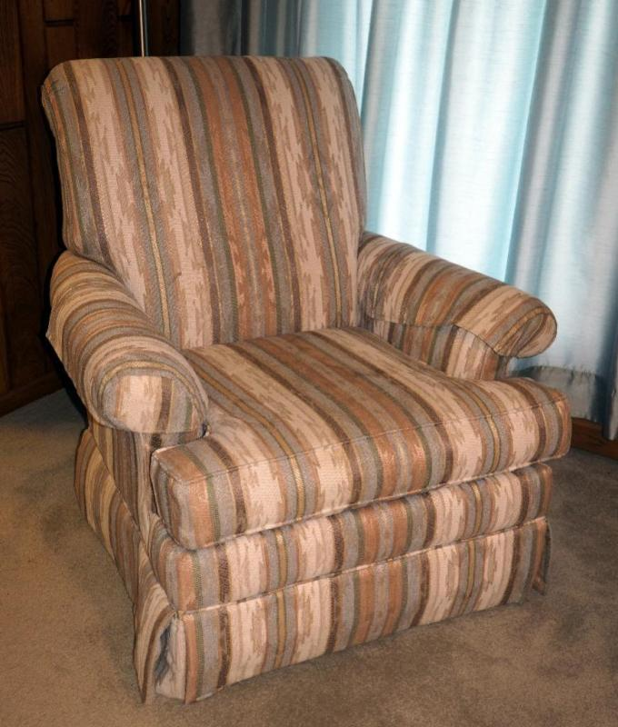 Lot 58 Of 341: La Crosse Furniture Co. Traditional Arm Chair With Southwest  Pattern