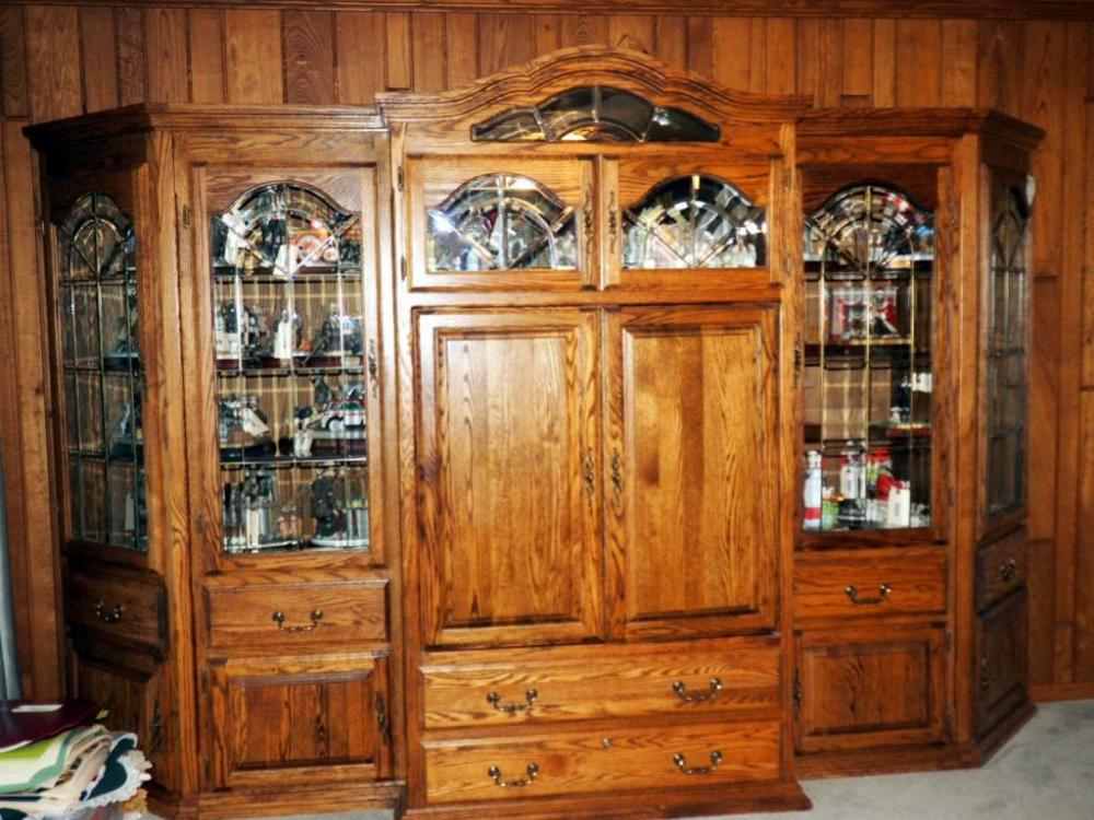 Lot 62 Of 341: Parker House Fine Furniture Lighted Entertainment Center  With Leaded Glass Doors, Corner Storage, Fold In Doors And Locking Drawer  With Key, ...