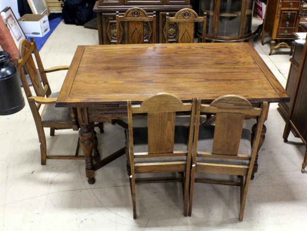 Vintage Dining Table With Hidden Pull Out Leaves 60 L X 38