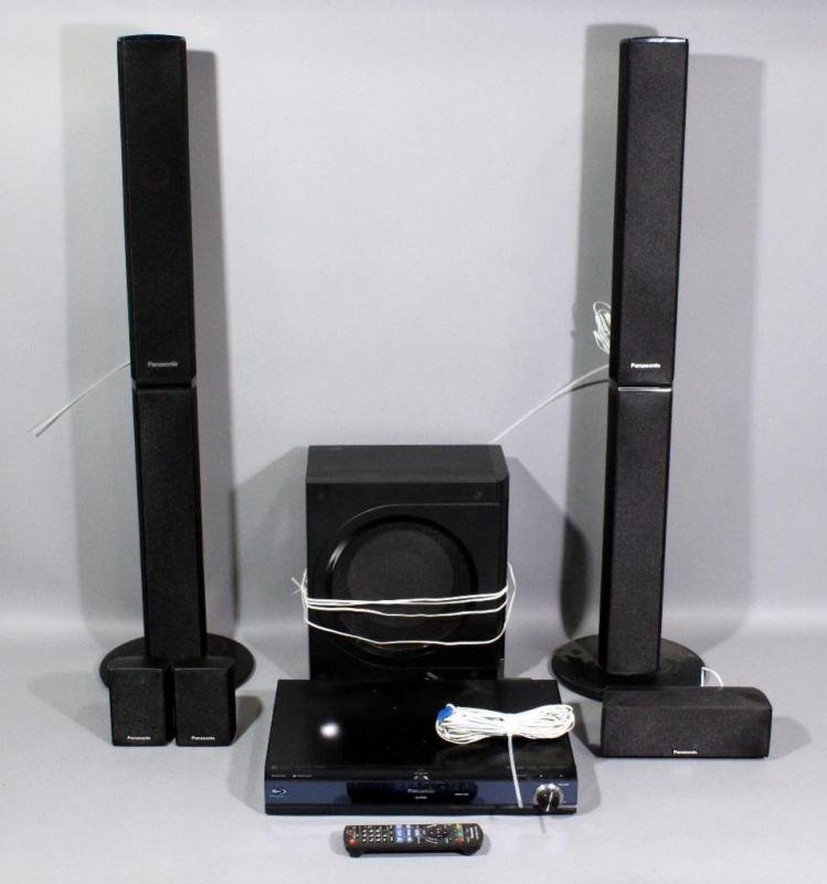 Lot 61 Of 271 Panasonic SA BT300 Blu Ray Disc Home Theater Surround Sound System Subwoofer 5 Speakers And Player Powers Up
