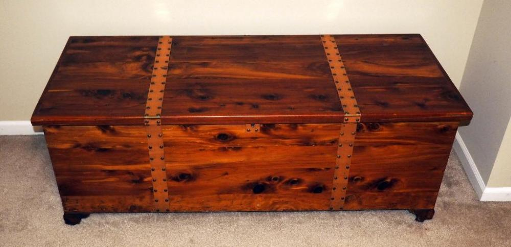 Lot 38 Of 210 Genuine Tennessee Red Cedar Chest With Copper Straps 20 H X 54 W 22 D Contents Not Included