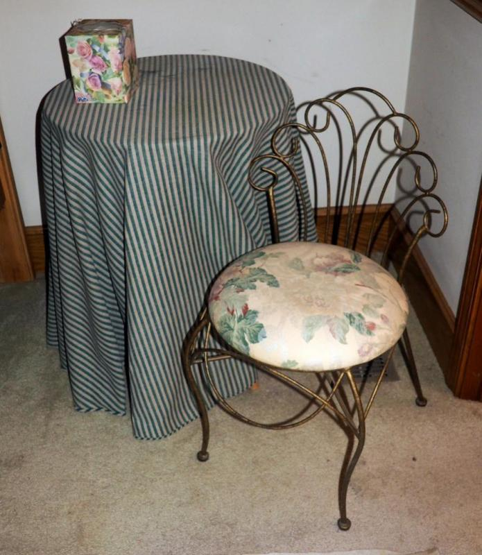 Fabulous Small Round Table 25 X 20 With 28 Metal Vanity Chair Gmtry Best Dining Table And Chair Ideas Images Gmtryco