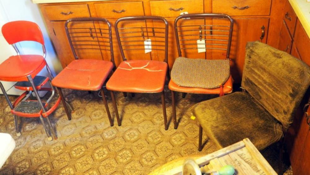 Awesome Vintage Metal Folding Chairs Qty 4 And Step Stool Chair Alphanode Cool Chair Designs And Ideas Alphanodeonline