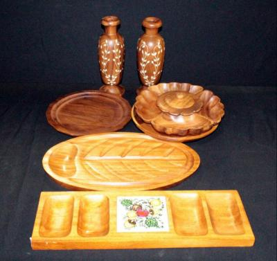 Lazy Susan With Tray And Bowls Qty 4, Fish Craving Board, Condiment Tray And Vases Qty 2